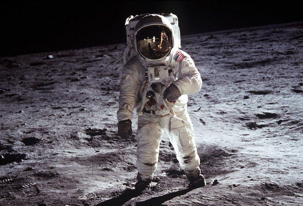 20 juli 1969: Maanlander Apollo 11 landt op de maan