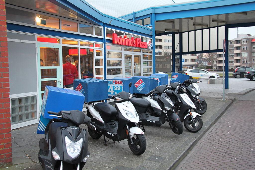 Nederlanders eten vaker buiten de deur of bestellen wat