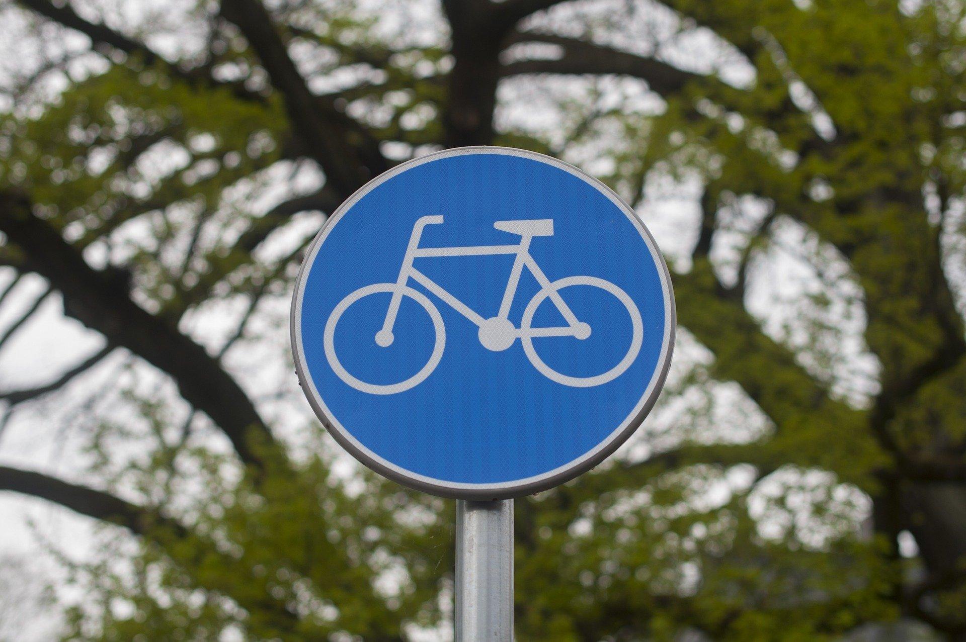 Van Nieuwenhuizen: 165 miljoen euro naar veilige wegen en fietspaden