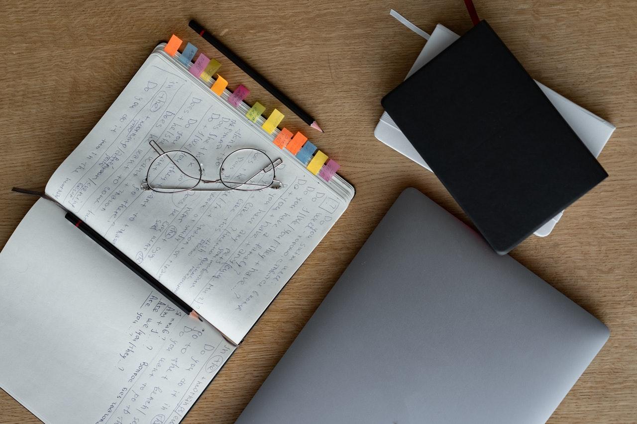 Schrijf jij een boek, dan spreken we je graag
